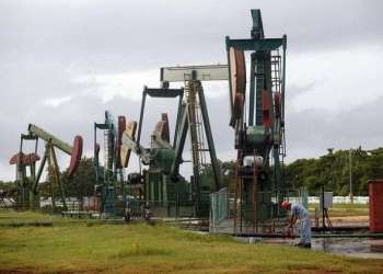 Pozos de petróleo. Foto: Jorge Luis Baños (IPS)