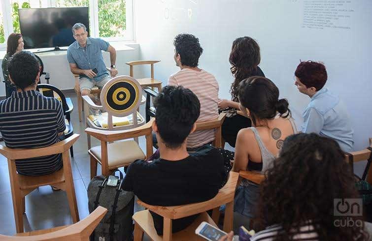 Kenneth Cole durante su charla en Lab 26. Foto: Regino Sosa.