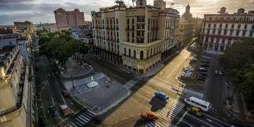 Prado y Neptuno, La Habana Vieja. Foto: Jeff Cotner.