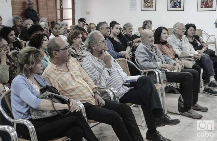 Tribute in UNEAC for the 20 years of the film Zafiros, locura azul, by Manuel Herrera. Photo: Regino Sosa.