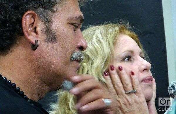 Luis Alberto García (I) e Isabel Santos (D). Foto: Ángel Marqués.