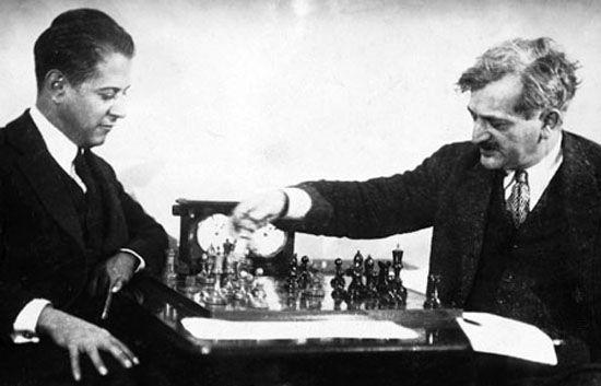 Capablanca (left) playing against Emanuel Lasker.