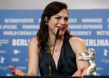 Daniela Vega en el Festival de Berlín. Foto: es.noticias.yahoo.com.