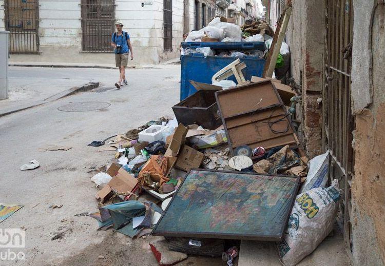 Basura en La Habana. Foto: Otmaro Rodríguez.