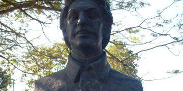 Busto de Parlá en Mariel. Foto de Orlando Carrió.