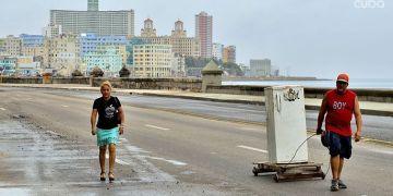 El malecón de La Habana luego del impacto del huracán Irma. Foto: Otmaro Rodríguez.