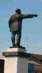 Estatua de Chibás, de Mario Santí.