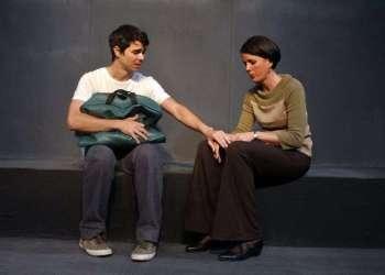 La obra 10 millones, de Argos Teatro. Foto: Manolo Garriga
