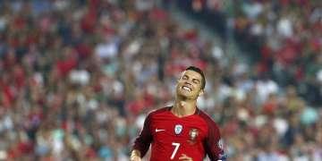 Cristiano Ronaldo, durante un partido contra Suiza por las eliminatorias mundialisats en Lisboa, 10 de octubre de 2017. Foto: Armando Franca / AP.