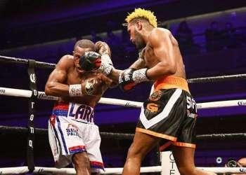 Con su triunfo, Hurd (derecha) arrebató su título a Erislandy Lara y unificó las coronas de la Federación Internacional de Boxeo (FIB) y Asociación Mundial (AMB). Foto: commdiginews.com.