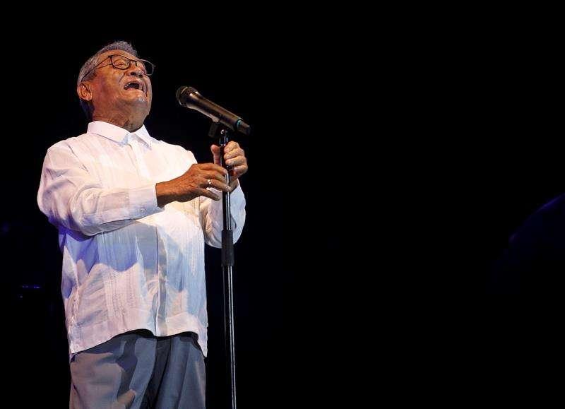 El compositor y productor musical de 82 años cantó en La Habana por primera vez. Foto: Yander Zamora / EFE.