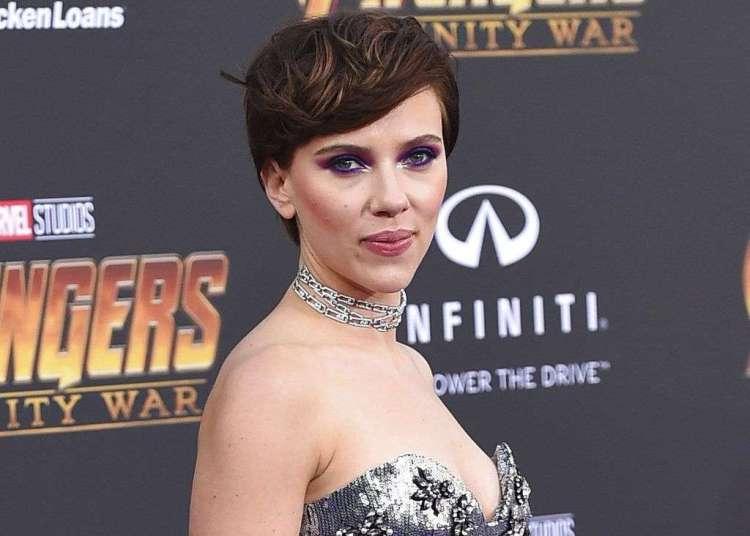"""En esta foto del 23 de abril del 2018, Scarlett Johansson llega al estreno mundial de """"Avengers: Infinity War"""" en Los Angeles. Foto: Jordan Strauss / Invision / AP."""