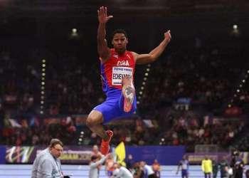 El saltador cubano Juan Miguel Echevarría. Foto: Matt Dunham / AP.