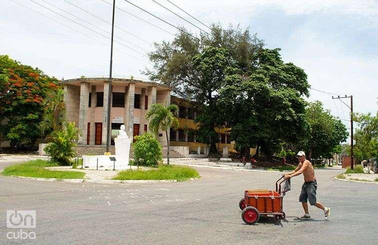 """Preuniversitario """"René O. Reiné"""" de La Víbora, en La Habana. Foto: Otmaro Rodríguez."""