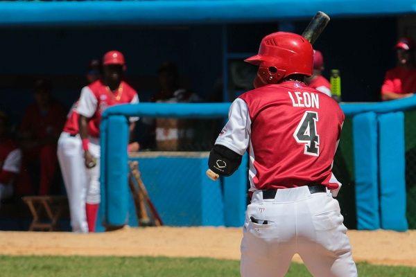 Pedro Manuel León es el líder jonronero del campeonato y bujía ofensiva de Mayabeque. Foto: Roberto Morejón/JIT