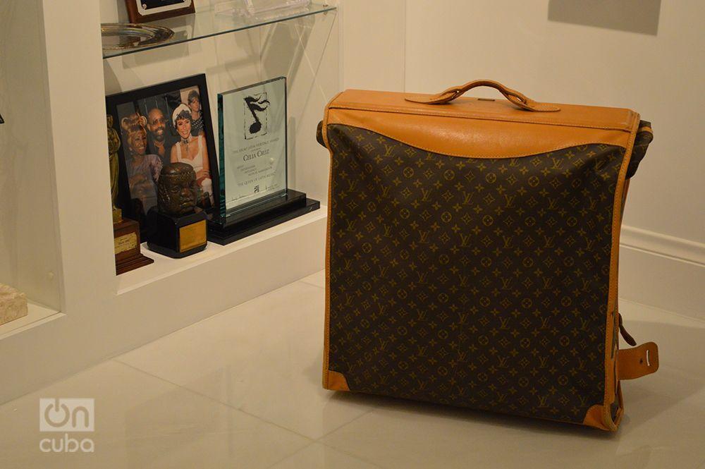 Una de las maletas con la que Celia Cruz recorrió el mundo. Foto: Marita Pérez Díaz.
