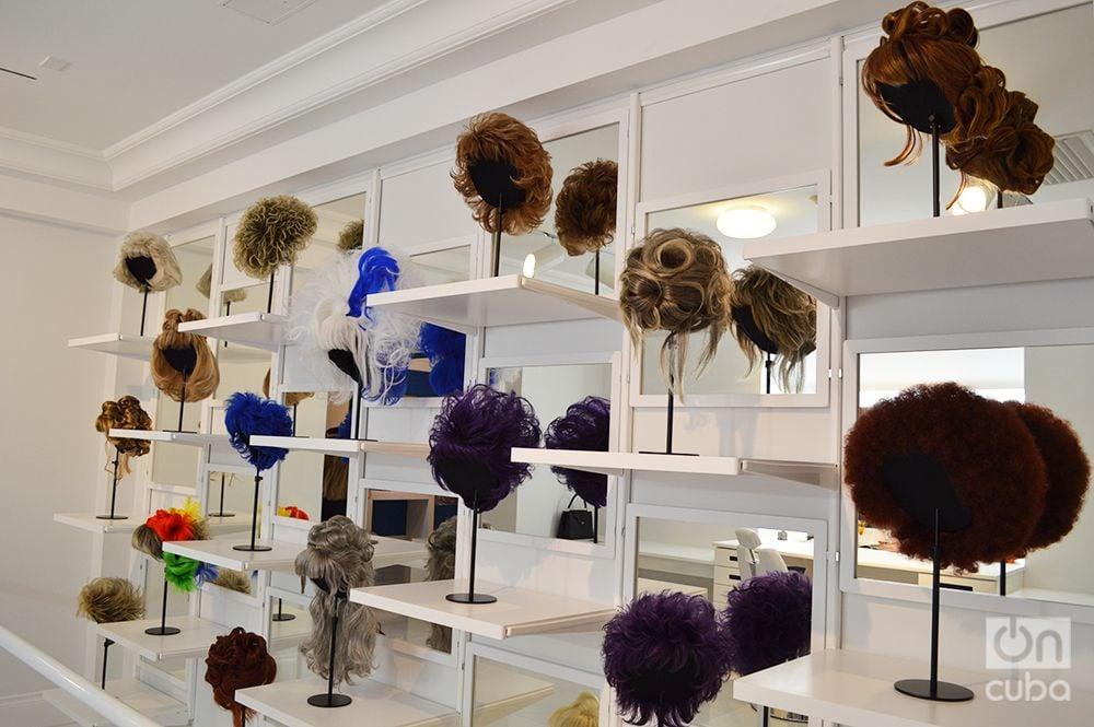 Algunas de las pelucas más queridas de Celia Cruz. Foto: Marita Pérez Díaz.