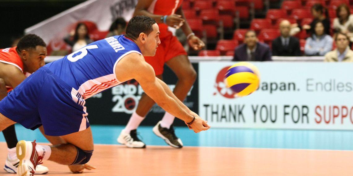 Keibel Gutiérrez fue el líbero de los últimos triunfos del voleibol masculino cubano. Foto: FIVB