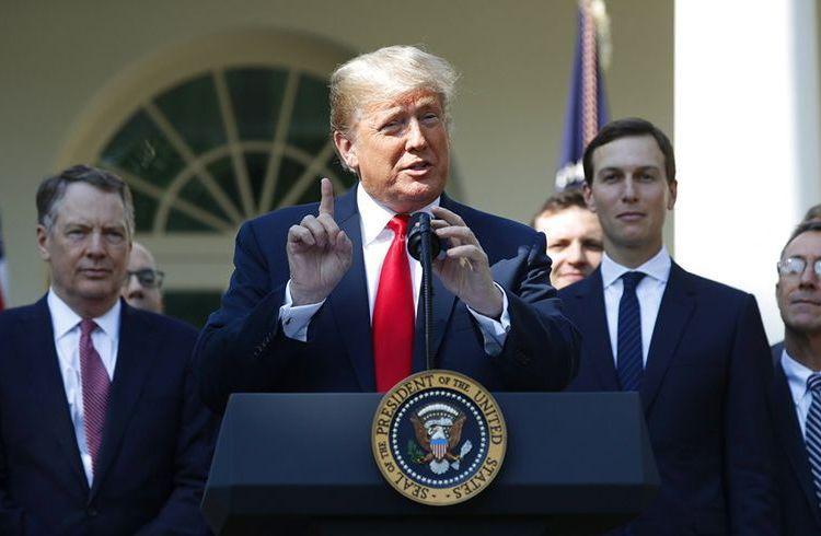 El presidente Donald Trump habla durante el anuncio de un renovado tratado comercial con Canadá y México en la Rosadela de la Casa Blanca, en Washington, este lunes 1 de octubre de 2018. Foto: Pablo Martínez Monsivais / AP.