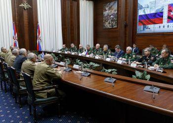 Encuentro entre delegaciones de los ministerios de Defensa de Rusia y Cuba en Moscú, el 14 de noviembre de 2018. Foto: @es_front / Twitter.