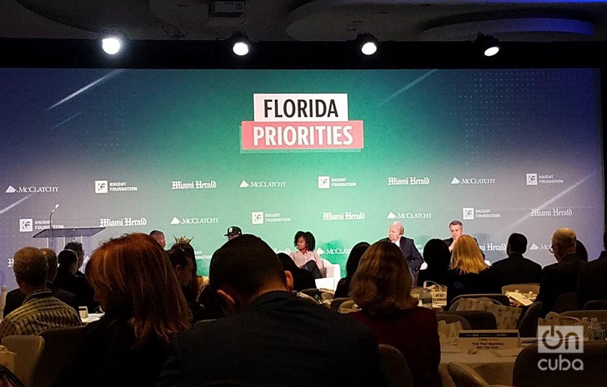"""Durante el evento """"Prioridades de la Florida"""", organizado por el Miami Herald y la Fundación Knight, entre otros. Foto: Marita Pérez Díaz."""