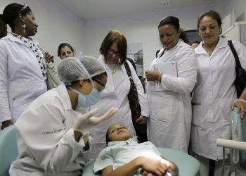 Médicos cubanos en Brasil. Foto: Eraldo Peres / AP / Archivo.