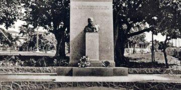 Monumento a Theodore Roosevelt inaugurado en Santiago de Cuba en diciembre de 1924. Foto: Archivo de Ignacio Fernández Díaz.