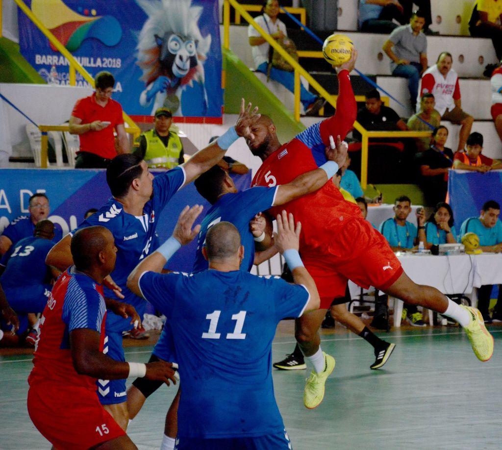 Cuba volvió a planos estelares en el balonmano masculino de los Centrocaribe, con una escuadra que promete mucho de cara al final del presente ciclo olímpico. Foto: Ricardo López Hevia