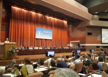 Conferencia Internacional por el Equilibrio del Mundo celebrada en La Habana en 2013. Foto: CubaMinrex.