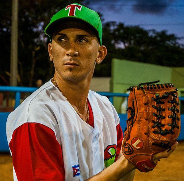El zurdo Dariel Góngora dio a Las Tunas el pase a las semifinales. Foto: periodico26.cu