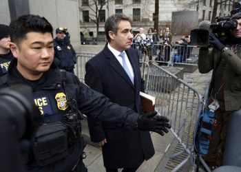 Michael Cohen, ex abogado del presidente estadounidense Donald Trump, sale del tribunal en Nueva York el 12 de diciembre del 2018. Foto: Craig Ruttle / AP.