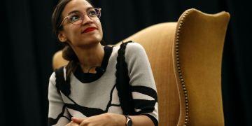 Alexandra Ocasio-Cortez la mujer más joven que ha llegado al Congreso en la historia de Estados Unidos. Foto: AP.