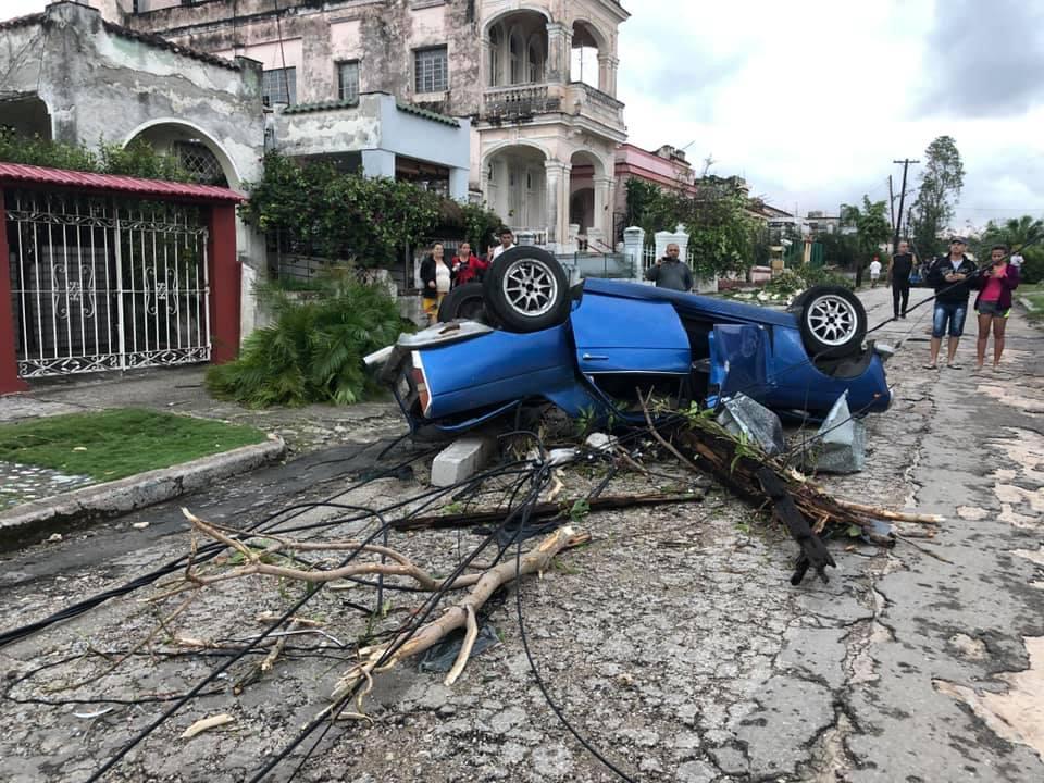 La Habana después del tornado. Foto: Raimundo Urrechaga / Facebook.
