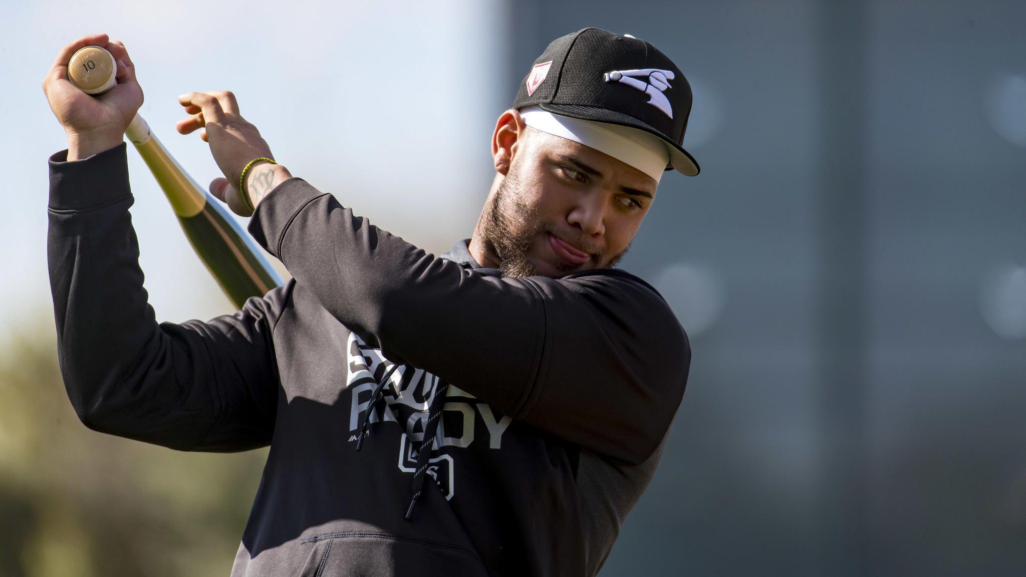 Moncada ha trabajado durante la temporada baja en las deficiencias de su swing y debe venir con un nuevo enoque en el 2019. Foto: Brian Cassella/Chicago Tribune