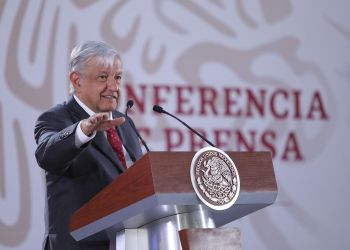 El presidente de México, Andrés Manuel López Obrador, habla en rueda de prensa en el Palacio Nacional de Ciudad de México, el 26 de febrero de 2019. Foto: Sáshenka Gutiérrez / EFE.