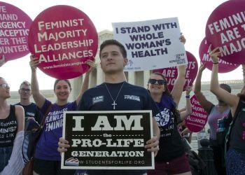 Roe vs. Wade reformó la política nacional al deslindar dos campos: pro-vida y pro-elección. Foto:q2.com