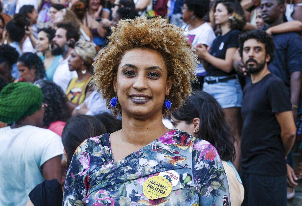 La concejala brasileña Marielle Franco en una foto del 9 de enero de 2018. Franco criticaba frecuentemente la violencia policial, fue asesinada junto con su chofer el 18 de marzo de ese año en Río de Janeiro, Brasil. Foto: Ellis Rua / AP.