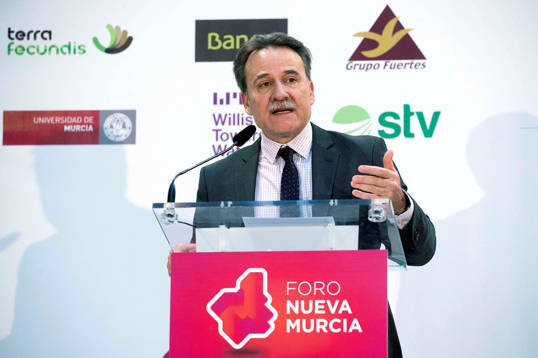 El embajador de Cuba en España Gustavo Machín, durante una conferencia organizada por el Foro Nueva Murcia. Foto: Marcial Guillén / EFE.