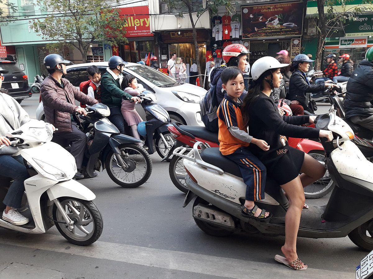 En las calles, la bicicleta fue sustituida por la moto, que es hoy el transporte del pueblo. Foto: Raquel Pérez.