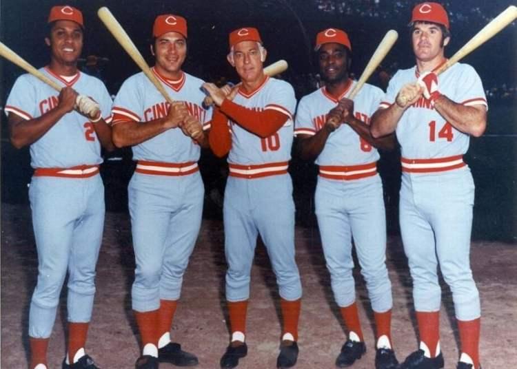 El cubano Tany Pérez (izquierda) con el uniforme de los Rojos de Cincinnati junto a Johnny Bench, el mánager Sparky Anderson, Joe Morgan y Pete Rose. Foto: Tomada de El Nuevo Herald