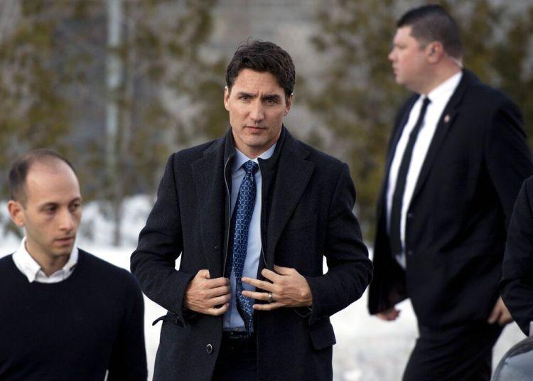 El primer ministro de Canadá Justin Trudeau llega a la mezquita South Nepean Muslim Community para hablar con miembros de la comunidad en Ottawa, Ontario, el domingo 17 de marzo de 2019. Foto: Justin Tang/The Canadian Press vía AP.