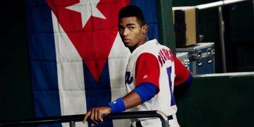 Yoelkis Céspedes, uno de los jóvenes talentos del béisbol cubano, en el IV Clásico Mundial de Béisbol. Foto: Getty Images.