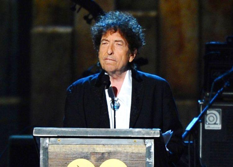Bob Dylan acepta el premio Persona del Año 2015 de MusiCares en Los Ángeles, el 6 de febrero de 2015. Foto: Vince Bucci / Invision / AP.
