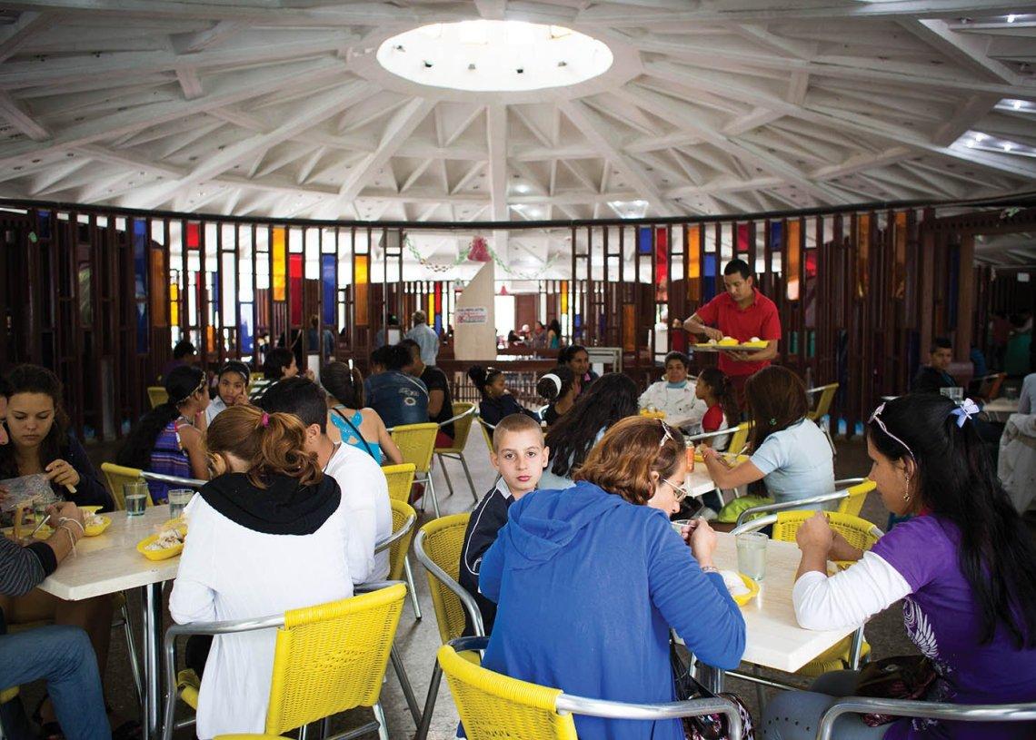 La célebre heladería Coppelia, de La Habana. Foto: todocuba.org