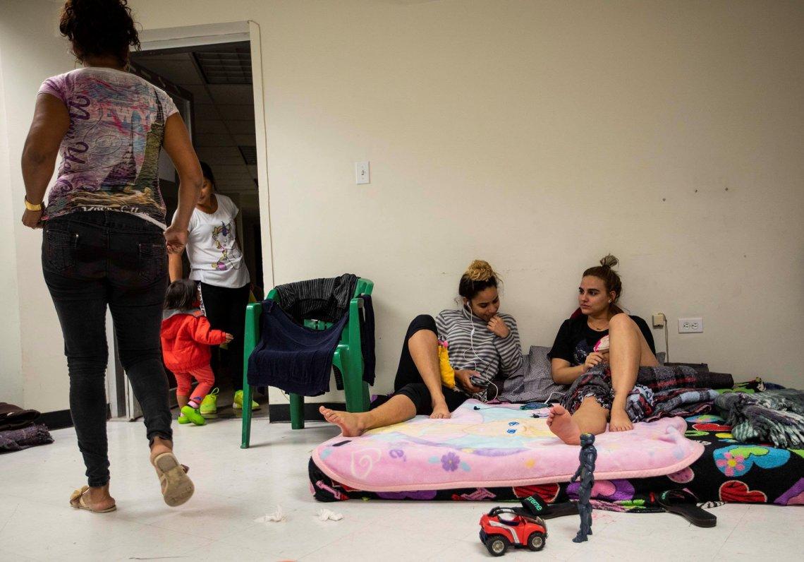 Migrantes cubanos el pasado 23 de marzo de 2019, en un albergue de la fronteriza Ciudad Juárez, en el estado de Chihuahua (México). Foto: Alejandro Bringas / EFE.