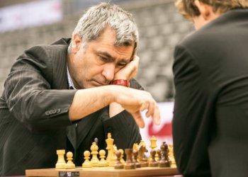 El ucraniano Vassily Ivanchuk (izq), siete veces campeón del Capablanca de ajedrez, encabezará el grupo Élite del torneo en la edición de 2019. Foto: advancedchessleon.com