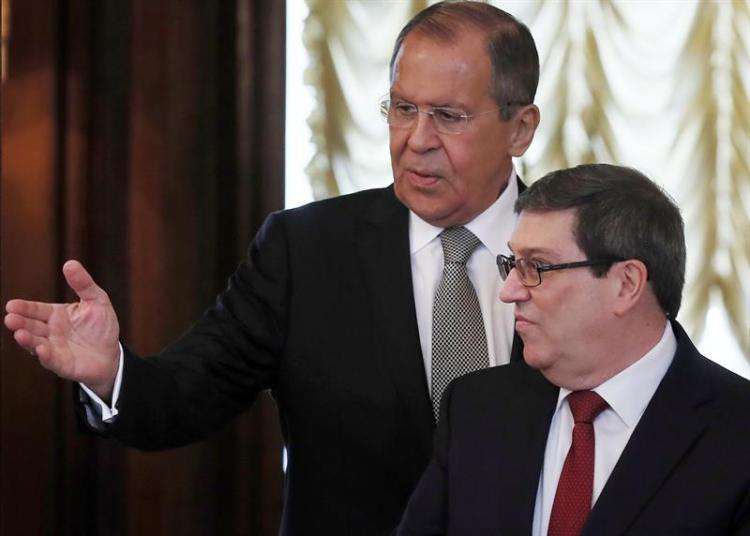 El ministro de Exteriores ruso, Serguéi Lavrov recibió a su homólogo cubano, Bruno Rodríguez Parrilla, este lunes en Moscú. Foto: Sergei Ilnitsky/EFE.