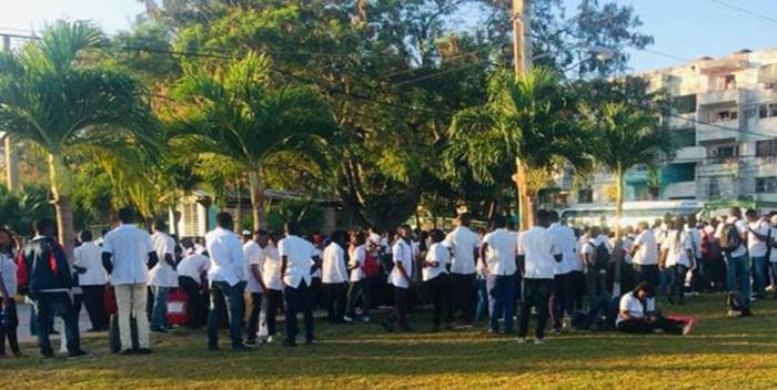 Protesta de estudiantes del Congo en La Habana, abril de 2019. Foto: Estudiantes en Facebook.
