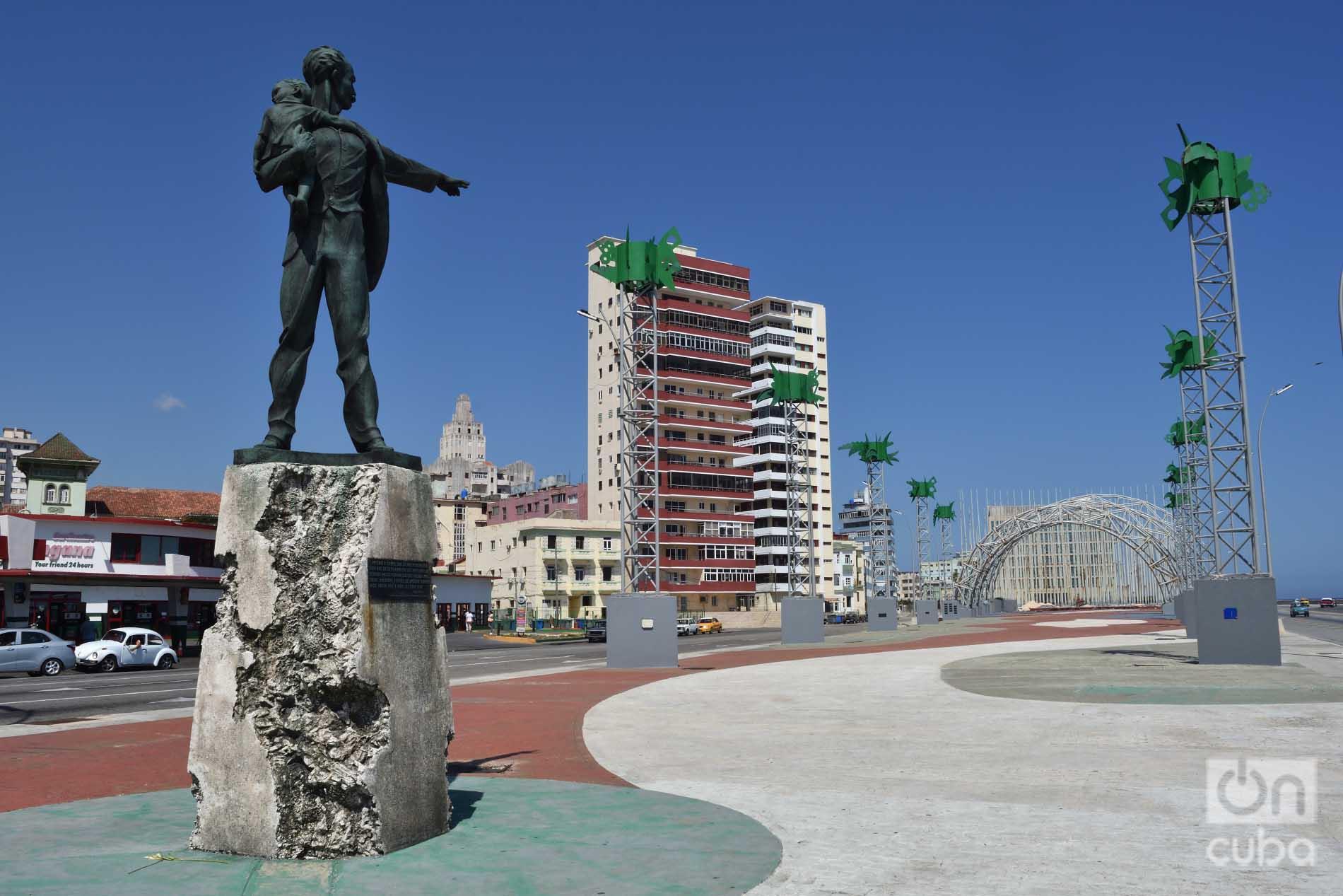 Monumento de José Martí en la Tribuna Antimperialista que lleva su nombre de La Habana. Foto: Otmaro Rodríguez.