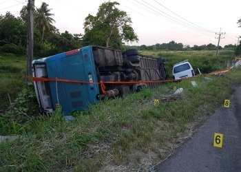 Vehículos involucrados en el accidente del 27 de junio de 2019 en Bauta, en el occidente de Cuba. Foto: Oscar Milian / Facebook / Archivo.